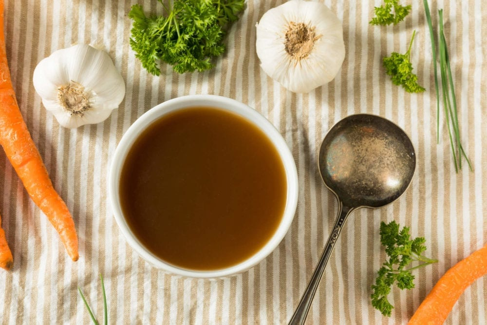Benefits of bone broth for health & beauty